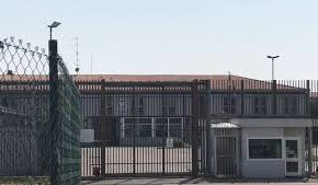 Il covid-19 non risparmia il carcere di Montorio sia nei detenuti che nel personale della Polizia Penitenziaria